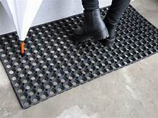 zerbini gomma outlet gt zerbino di gomma forata multimisura tappeto su