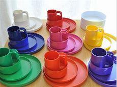 Heller plastic dinnerware set of 34 pieces   vintage