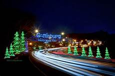 Gatlinburg Trolley Ride Of Lights Tickets 2018 7 Incredible Smoky Mountain Christmas Ideas
