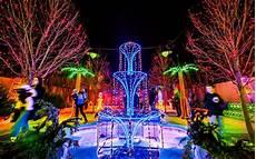 Christmas Lights On The Coast America S Favorite Cities For Christmas Lights 2016
