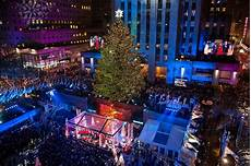 Rockefeller Tree Lighting Date 2015 Inside The 2015 Rockefeller Center Tree Lighting Instyle Com