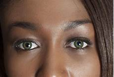 Light Brown Contact Lenses For Dark Eyes The Beauty Tutorial Choosing Color Contacts For Dark Skin