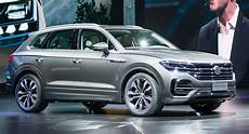 Touareg Vw 2019 by 2019 Vw Touareg Is Bigger Lighter And Packs A