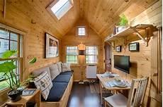 the tiny tack house woodz
