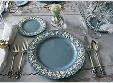 Wedgewood Queensware place setting with Wallace Grande