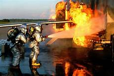 Marine Corps Firefights Aircraft Rescue Firefighting Marines Hone Techniques