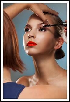a comprehensive 8 day makeup artist program