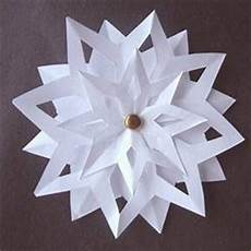 3d Paper Snowflake 3d Paper Snowflakes Favecrafts Com