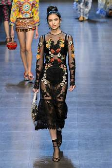 embroidery fashion 5 fashion trends that sprang from roots thefashionspot