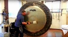Gong Design Discover The Hypnotic Sounds Of A Gigantic 80 Inch Gong