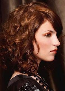 35 medium length curly hair styles hairstyles haircuts