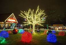 Zoo Lights St Louis Hours There S Still Time To Enjoy Displays Of Holiday Lights