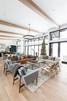Casa Decor Home Design Concepts A Very Mountain Home Christmas Home Living Room Modern