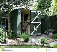tettoia giardino tettoia giardino immagine stock immagine di hobby