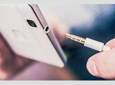 Does the Samsung Galaxy S20 have a headphone jack?   PC