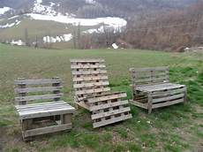 come costruire una panchina in legno riciclare costruire sedie e panchine da giardino con i