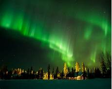 When Northern Lights Finland Sleep Under The Northern Lights In Glass Igloos Simplemost