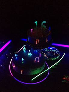 Edible Black Light Frosting 142 Best Images About Sweet 16 Neon On Pinterest Glow