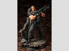 MARVEL UNIVERSE THE PUNISHER FINE ART STATUE   Figure
