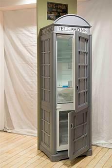 una cabina telefonica frigorifero da design cabina telefonica inglese