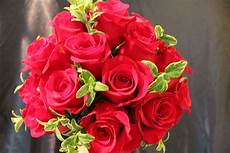 Classic Floral Design Waukee Ia Classic Red Rose Bouquet With Varigated Greens Scent From