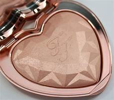 Too Faced Ray Of Light Highlighter Too Faced Spring 2017 Collection Vampy Varnish