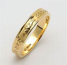 looking for gold wedding rings woman dress
