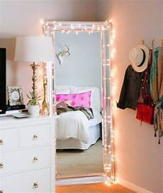 Spiegel Im Schlafzimmer by Die Besten 25 Schlafzimmer Lichterkette Ideen Auf