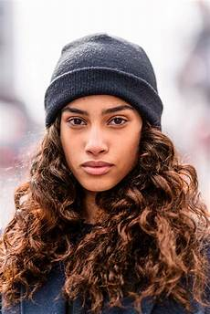 31 curly and wavy hair ideas to try this