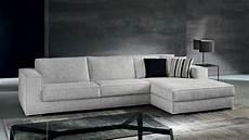 divani bassi divano con piedini bassi cromati