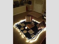indoor picnic   For BJ ?   Cute date ideas, Boyfriend