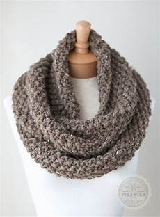 stricken schultertuch knit infinity scarf chunky knit scarf in taupe by