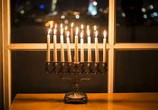 How To Light The Menorah And Hanukkah Why Do We Light Menorahs For Hanukkah Reader S Digest