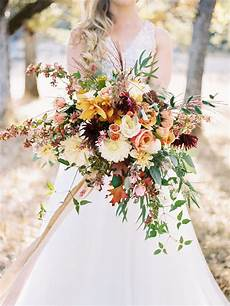 About Weeding 20 Stunning Fall Wedding Flower Bouquets For Autumn Brides