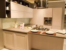 sgabelli veneta cucine cucina veneta cucine moderna con penisola in legno