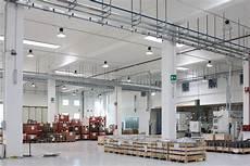 rapporto di illuminazione efficientamento energetico nell industria crea luce led
