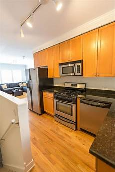 3 Bedroom Apartments Chicago 3 Bedroom In Chicago Il 60657 Apartment For Rent In