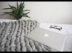 knit diy diy chunky arm knitted blanket tutorial