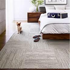 tappeti da letto moderni flor lacebark carpet tiles i like the patchwork detail