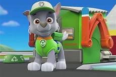 Paw Patrol Malvorlagen Rocky Rocky Recycles With His Paw Patrol Pals