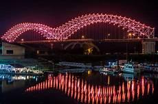 Hernando De Soto Bridge Lights Joined Led System Enhances Memphis Bridge Construction