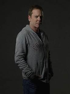 Mode Designated Survivor Tom Kirkman Long Sleeve Tshirt Men Men Sweater Mens Tops