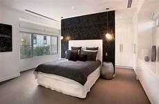 cabina armadio dietro al letto lavori in cartongesso da letto trasforma la tua