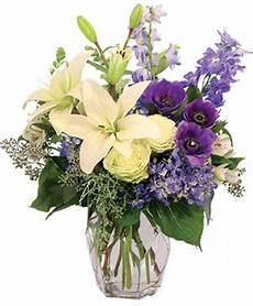 Classic Floral Design Waukee Ia Marion Florist Marion Ia Flower Shop Lily And Rose