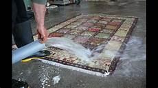 come lavare tappeto lavaggio tradizionale tappeti con acqua trieste pulizia