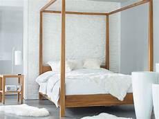 letto baldacchino legno letto a baldacchino la casa in ordine