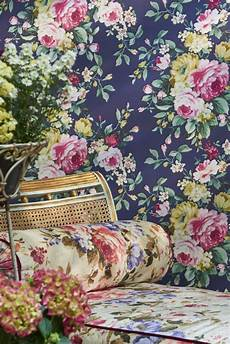 Bold Wallpaper Designs A Large Scale Bold Multi Coloured Floral Wallpaper