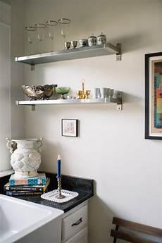 cucine con mensole mensole in cucina come e perch 233 usarle artigianamente