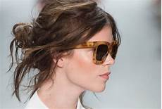 hair messy 30 easy and chic hairstyles and updos