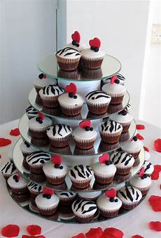 wedding cupcakes black white red themed the bride